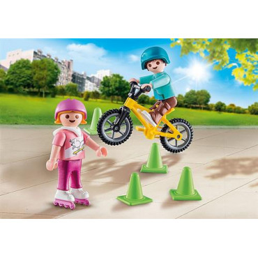 Children with Bike and Skates Playmobil